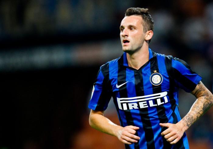 Calciomercato Inter, sprint Chelsea per Brozovic