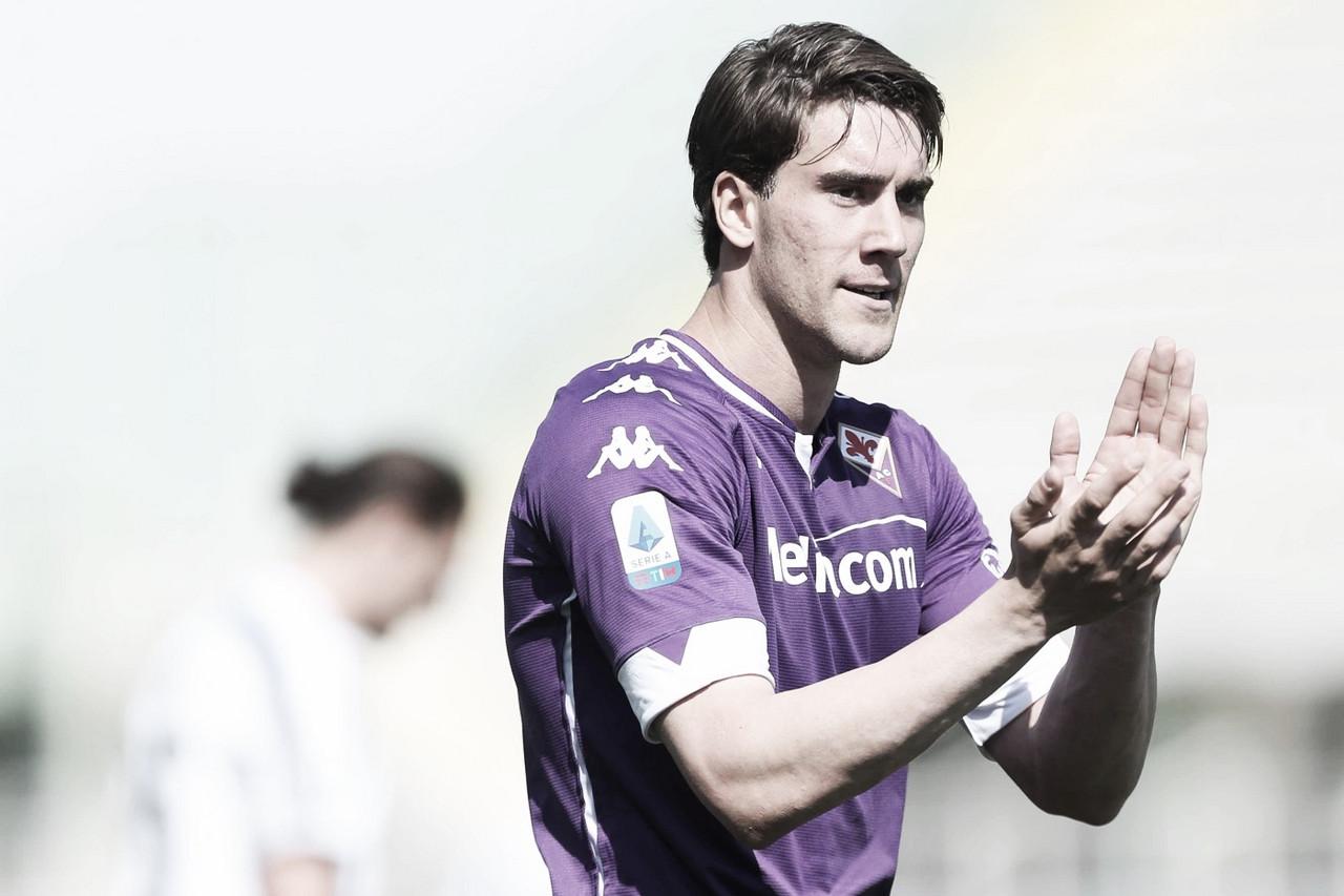 Tottenham oferece 60 milhões de euros por Dusan Vlahovic