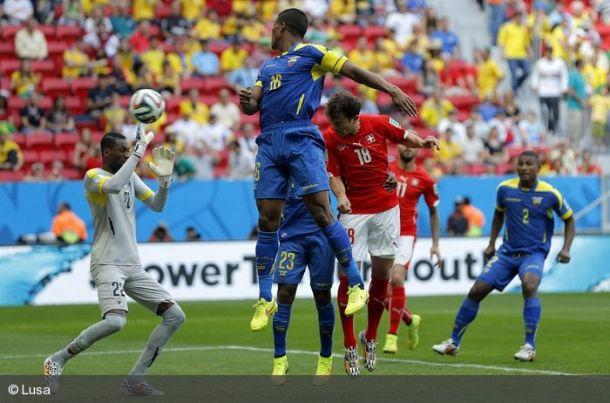 Duelos tendo em vista os oitavos de final: Equador e Suiça, Nigéria e Irão