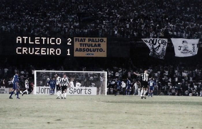 Há 20 anos, Atlético de Marques vencia 'expressinho' do Cruzeiro e conquistava Copa Centenário