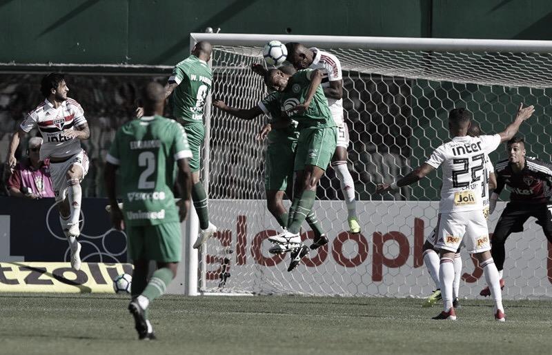 Para tentar embalar, Chapecoense recebe São Paulo em SC