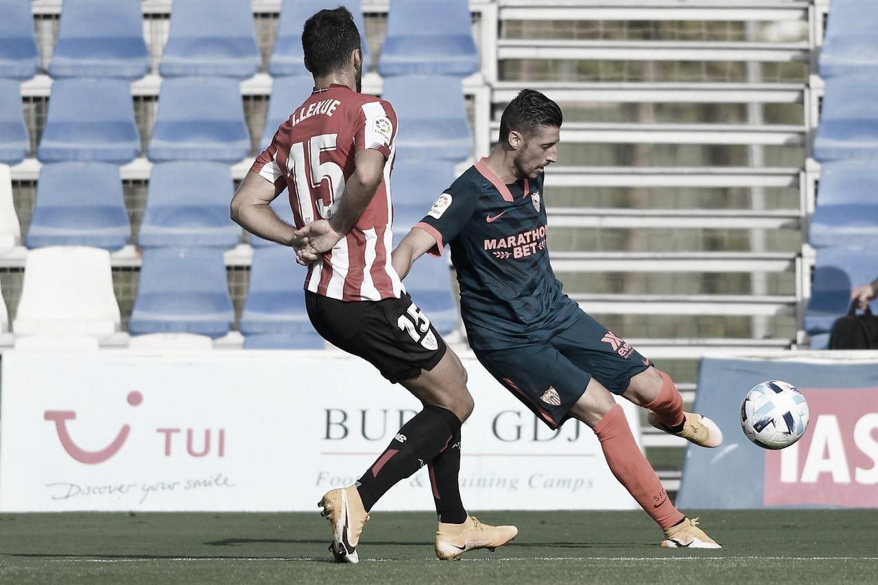 Escudero y Lekue en el amistoso de pretemporada entre Sevilla y Athletic Club. | Imagen: sevillafc.es