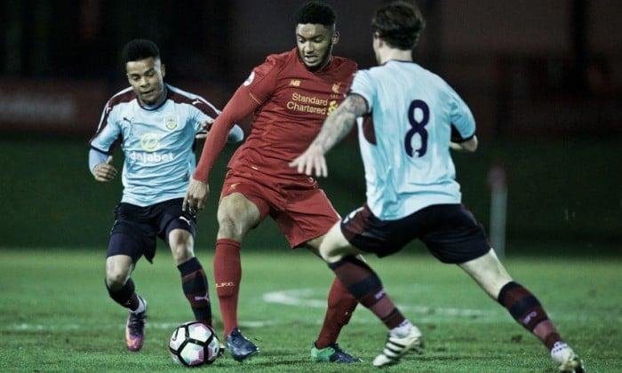 Joe Gómez vuelve a jugar 90 minutos con el Liverpool