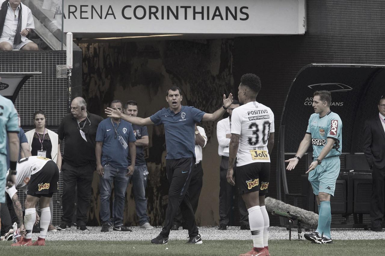 """Carille elogia atuação do Corinthians no clássico: """"Melhor jogo na temporada"""""""