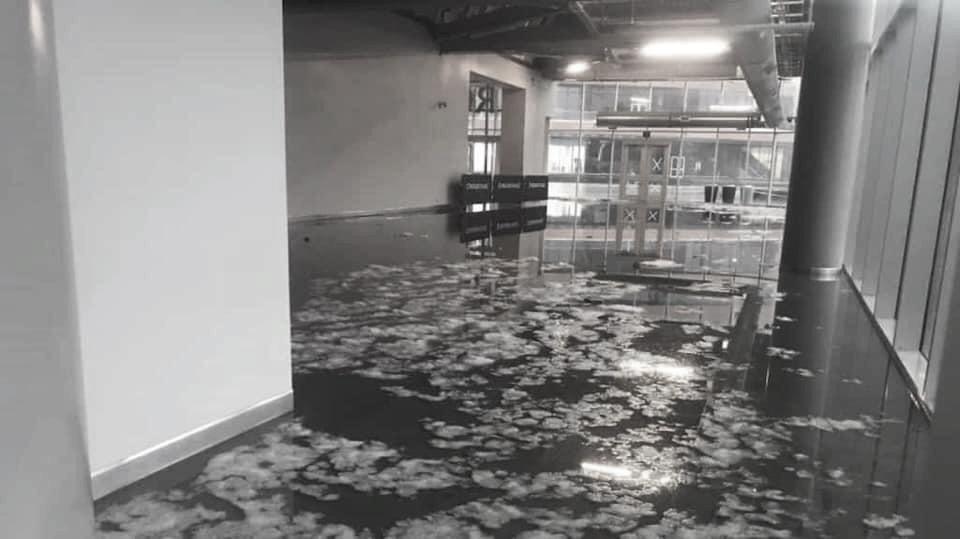 Una tremenda tormenta causa inundaciones en Edmonton
