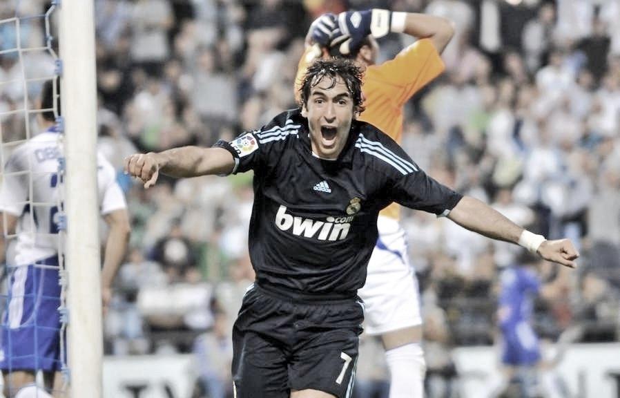 Hace 10 años, Raúl González marcaba en La Romareda su último gol con el Real Madrid
