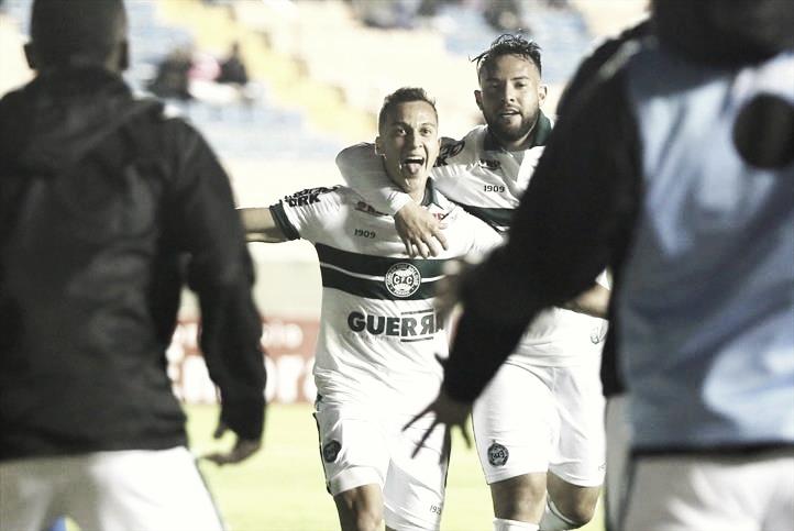 """Juan Alano enaltece treinador na vitória do Coxa: """"Conversa foi importante para a mudança"""""""
