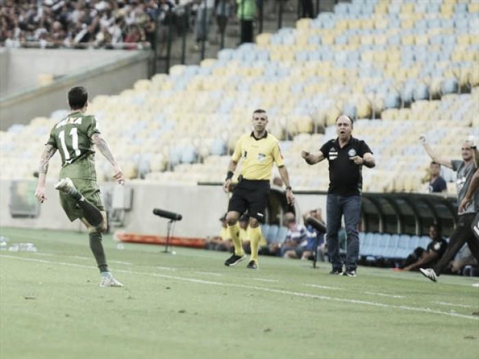 Marcelo Oliveira lamenta tempos distintos, mas comemora empate do Coritiba