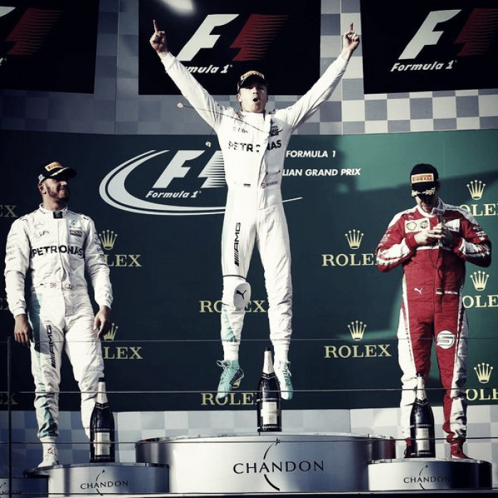 Rosberg arrancó con el pie derecho