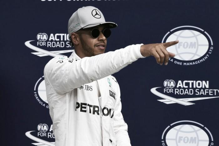 El británico Hamilton parte al frente en el circuito de Monza