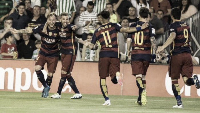 Liga, Madrid chiama, il Barça risponde: 2-0 al Betis firmato da Rakitic e Suarez