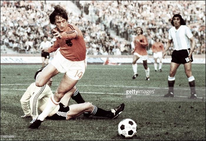 Morreu Johan Cruyff, um dos maiores