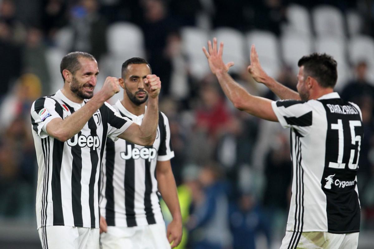 Juventus, ufficiali i rinnovi di Barzagli e Chiellini