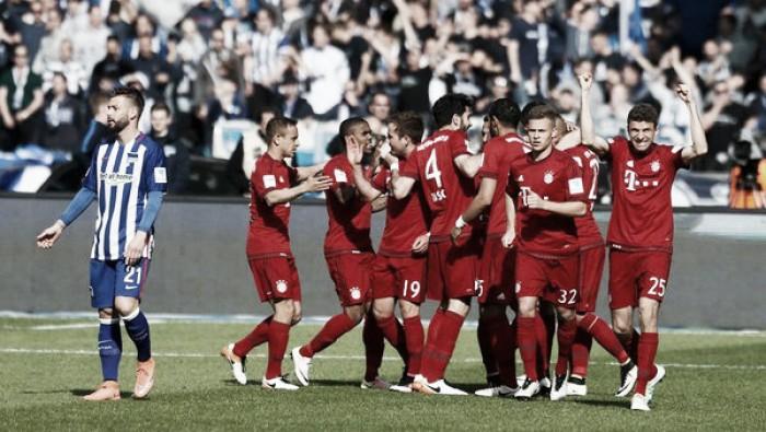 Bundesliga, il Bayern passa anche all'Olympiastadion: Herta piegato dai gol di Vidal e Douglas Costa