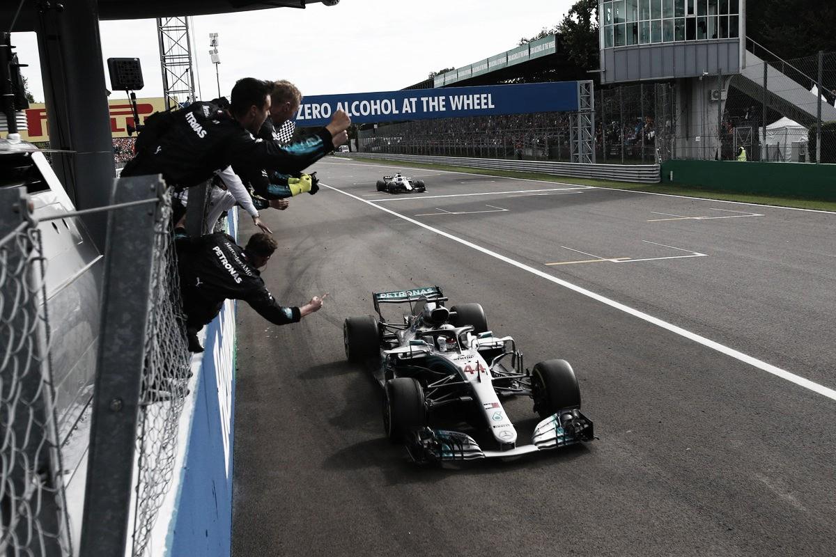 Hamilton se florea en la casa de Ferrari