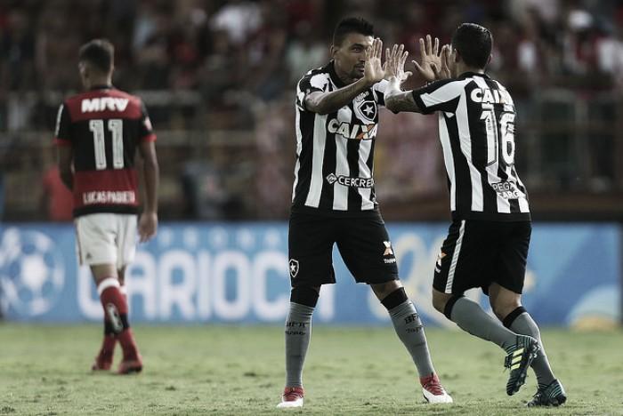 Notas: Renatinho e Kieza são pontos positivos em fraca atuação do Botafogo