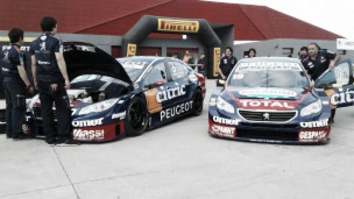 Primera fila de Peugeot
