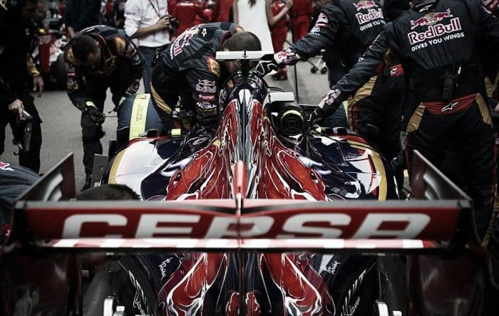 """Verstappen: """"El STR11 es casi un segundo más rápido"""""""