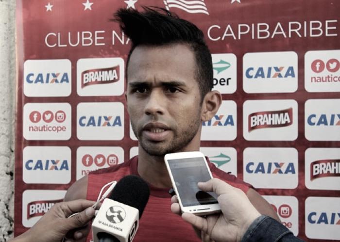 Suelinton ganha nova chance com Roberto Fernandes