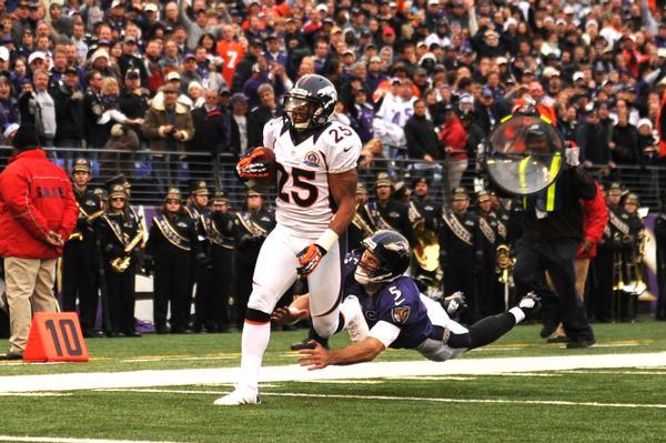 Los Broncos vencieron a los Ravens y consiguieron su novena victoria consecutiva