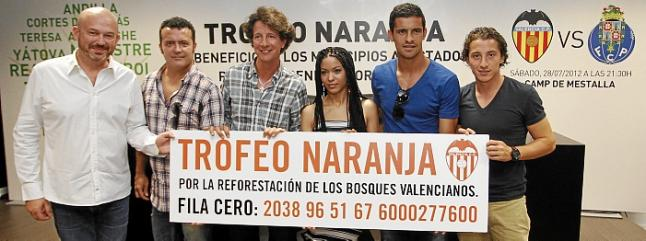 Ricardo Costa y Guardado piden apoyo