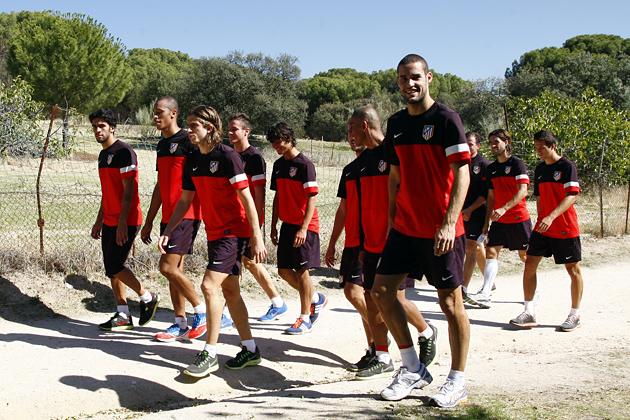 Simeone manda a entrenar al Atlético de Madrid al bosque