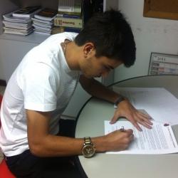 Depois de longa novela, Mattheus renova com o Flamengo até 2016