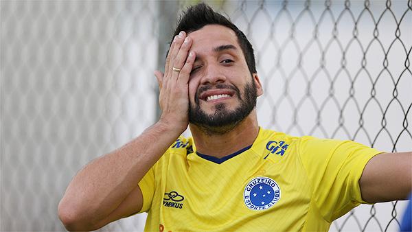 Victorino vive expectativa de voltar a campo em julho