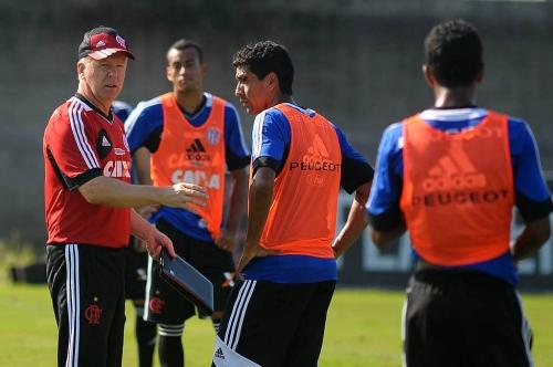 Flamengo treinará uma semana em Pinheiral antes de amistoso contra o São Paulo