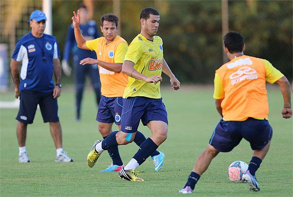 Buscando acabar com freguesia e colar na ponta, Cruzeiro visita o São Paulo
