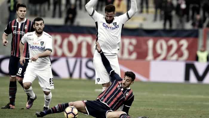 Serie A: il Crotone cerca i tre punti contro il Palermo