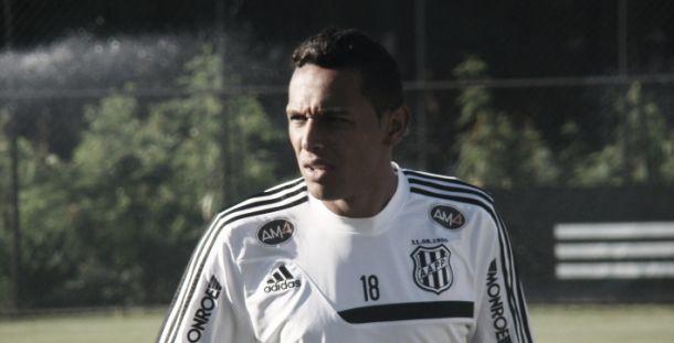 Lateral Gilson garante foco da Ponte Preta na partida ante Moto Club pela Copa do Brasil