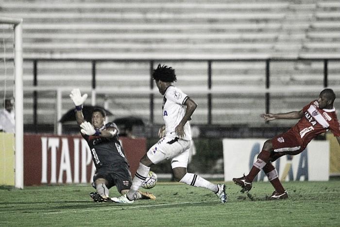 Vasco arranca empate contra CRB com gol de Rafael Vaz no fim e avança na Copa do Brasil