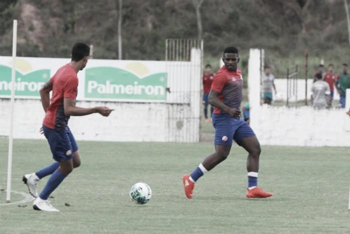 Givanildo Oliveira comanda o primeiro treino visando o Paraná