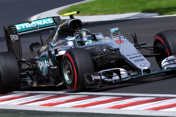 Rosberg lidera e Hamilton bate em segundo treino para o GP da Hungria.