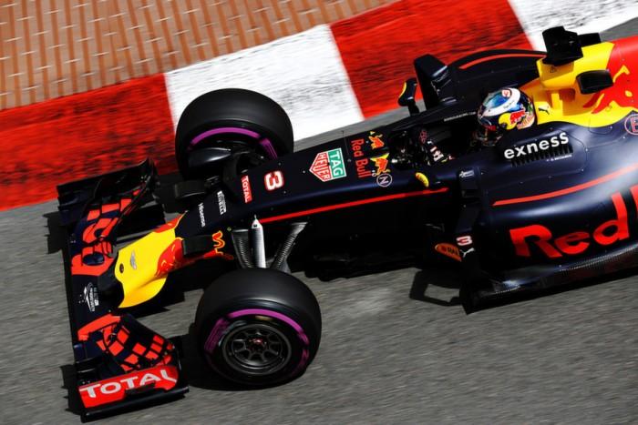 Daniel Ricciardo desbanca Mercedes e lidera segundo treino em Mônaco