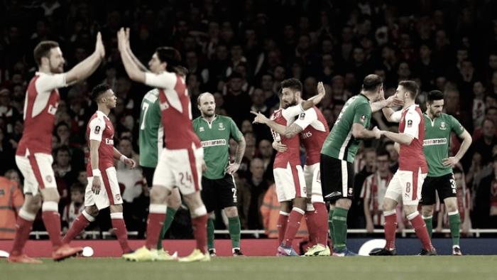 Arsenal goleia Lincoln City e se classifica à semifinal da Copa da Inglaterra