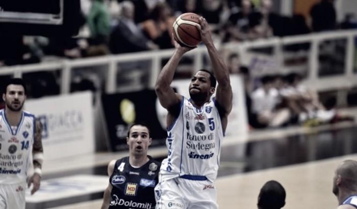 LegaBasket - Sassari sbanca Trento e la scavalca in classifica (57-66)