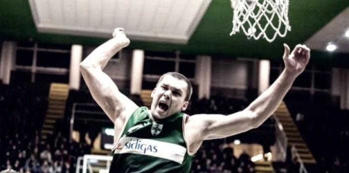 LegaBasket - Avellino schianta Reggio Emilia con un Fesenko formato Eurolega