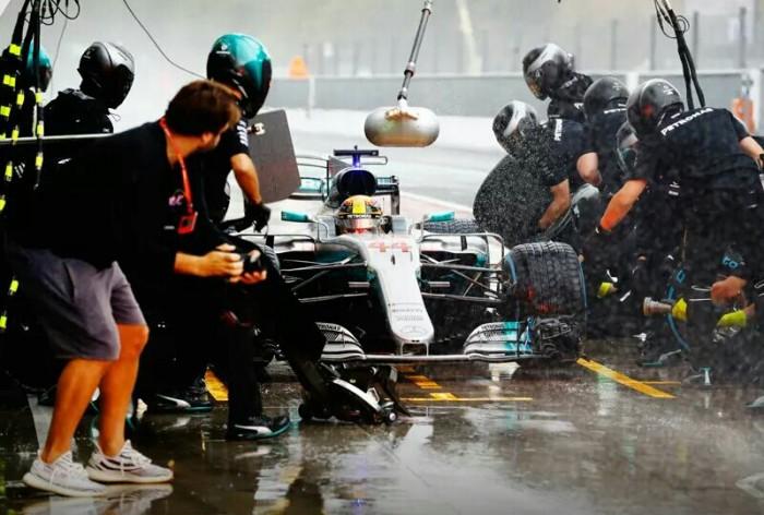 F1, Mercedes - Al Paul Ricard, Hamilton testa le gomme 2018