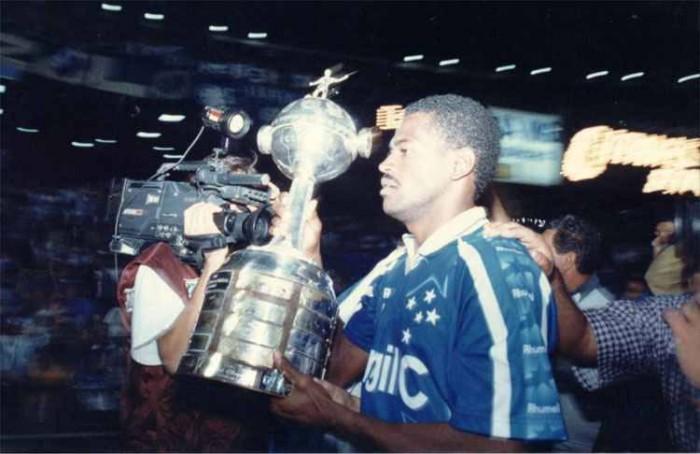 Libertadores 20 anos: campanha do Cruzeiro na Libertadores 1997 não foi fácil