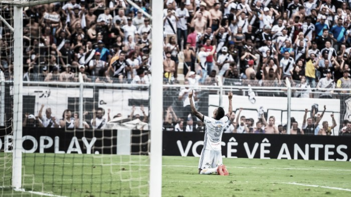 Ponte Preta vence Corinthians em destacada partida de Aranha e abre disputa por título