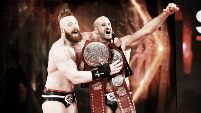 Resultados RAW 6/11/17: The New Day hace presencia y The Bar obtienen los títulos en pareja
