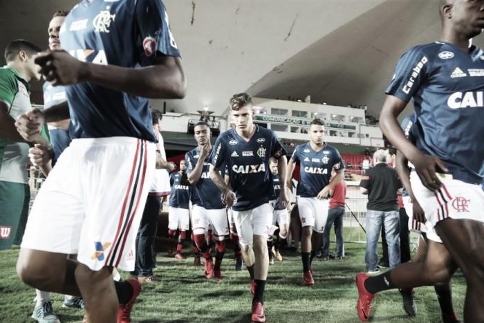 Na Ilha do Urubu, Flamengo e Bangu duelam pela liderança do grupo B no Carioca