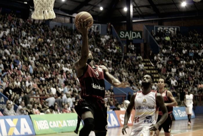Flamengo bate Caxias do Sul e conquista segunda vitória seguida fora de casa no NBB