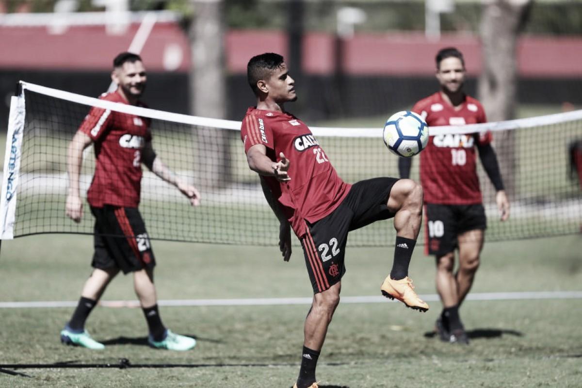Guerrero 100%, Everton fora da estreia e maior torcida: resumo do dia no Flamengo