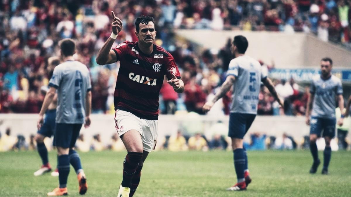 Flamengo bate reservas do Cruzeiro e segue na caça pela liderança do Brasileirão