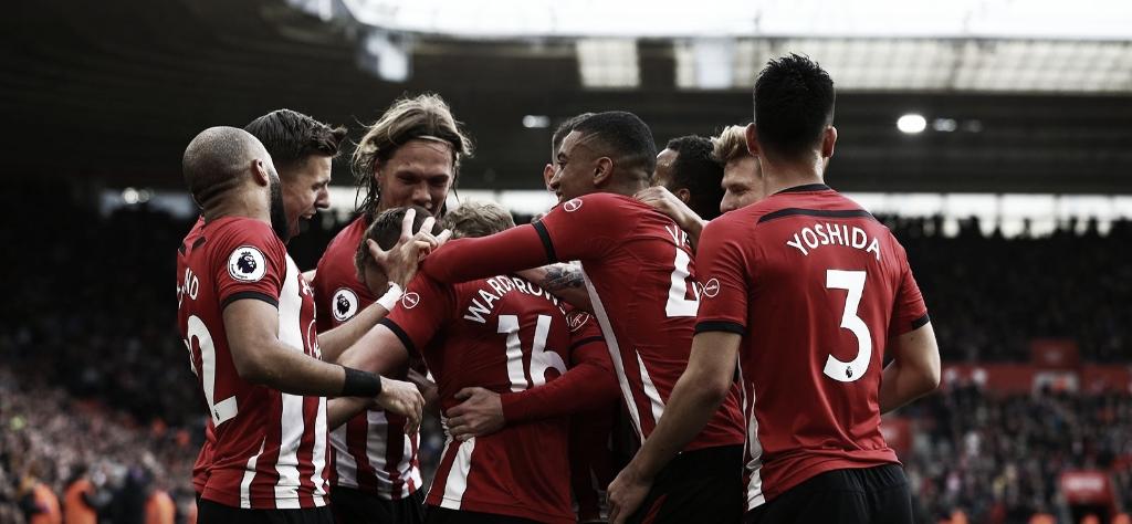 Com uma virada épica, Southampton vence Tottenham em casa e respira na tabela