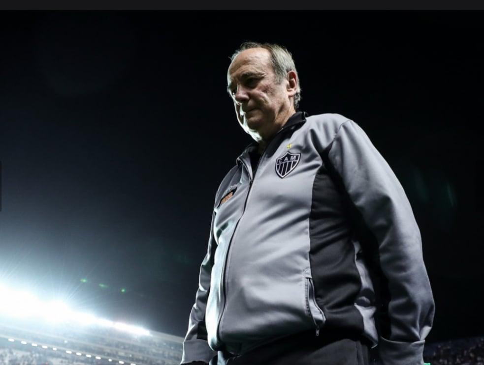 """Levir Culpi cobra classificação do Atlético-MG na Libertadores: """"É obrigação"""""""