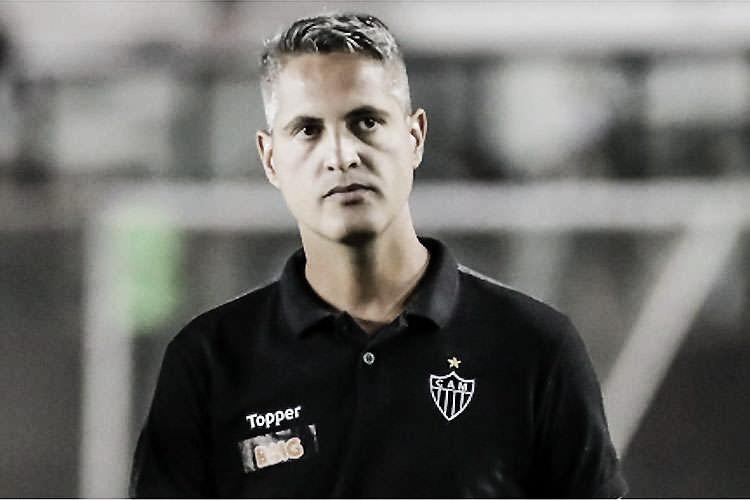 """Rodrigo Santana vibra com vitória do Atlético-MG: """"Na base da superação"""""""